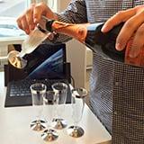 Firar med champagne