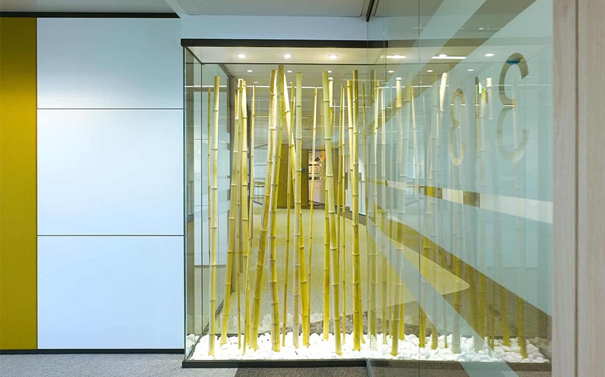 Art installation in large glass showcase box in Wabco corridors