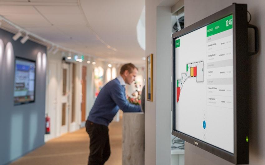 Meetio View-skärm med kartvy på Wihlborgs kontor